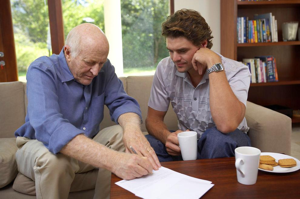 Mellom partene: Avtalen dere setter opp er primært mellom partene, den trenger derfor ikke vitner. Men det kan være praktisk, i og med at den kan få konsekvenser for resten av familien.