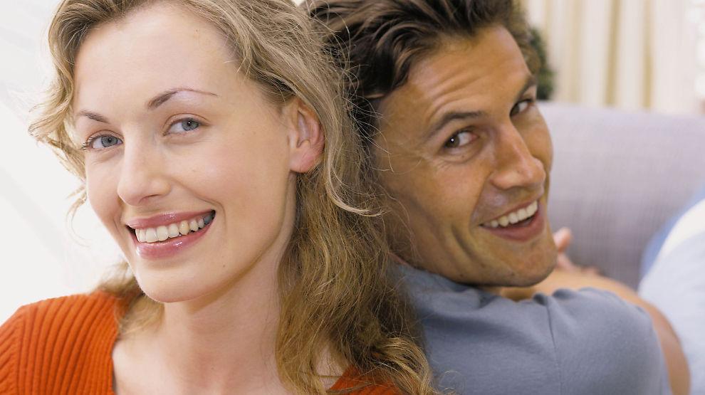 Sikkerhetsnett! Samboerskap omtales ofte som papirløst ekteskap, men for å sikre samboerskapet må dere ha en del papirer som avtale og gjensidig testament.