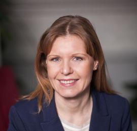 Christine Warloe, forbrukerøkonom i Nordea, anbefaler alle å sette opp et budsjett for å se hva de kan spare i måneden. Det vil nesten alltid være rom, mener hun.