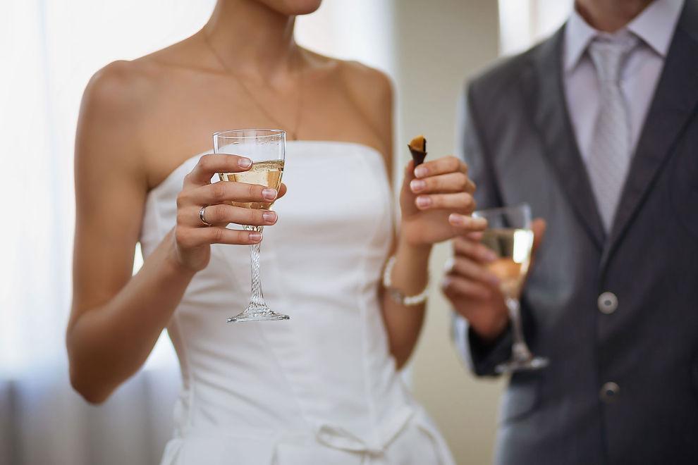 KOSTER: Et bryllup kan bli en dyr opplevelse, men det finnes mange smarte måter for å spare noe på utgiftene.