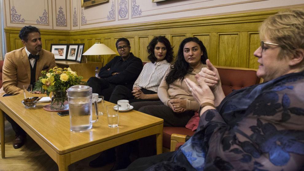 Abid Raja og Trine Skei Grande vil gjerne ha Amal Aden, Iram Haq og Shabana Rehman Gaarder med på et nytt initiativ til et kvinnenettverk mot æreskultur. Venstre vil sette av 5 millioner kroner til nettverket i statsbudsjettet for neste år.