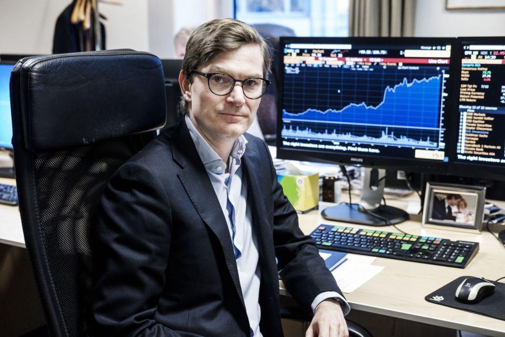 JAKTER PÅ DEN RETTE MEDISINEN: I fjor rykket Arne Simensen opp som forvalter i Fondsfinans Global Helse. – Min første ordentlige sommerjobb var i avdelingen for kapitalforvaltning hos Goldman Sachs i London, så nå føler jeg at sirkelen er sluttet, sier han.