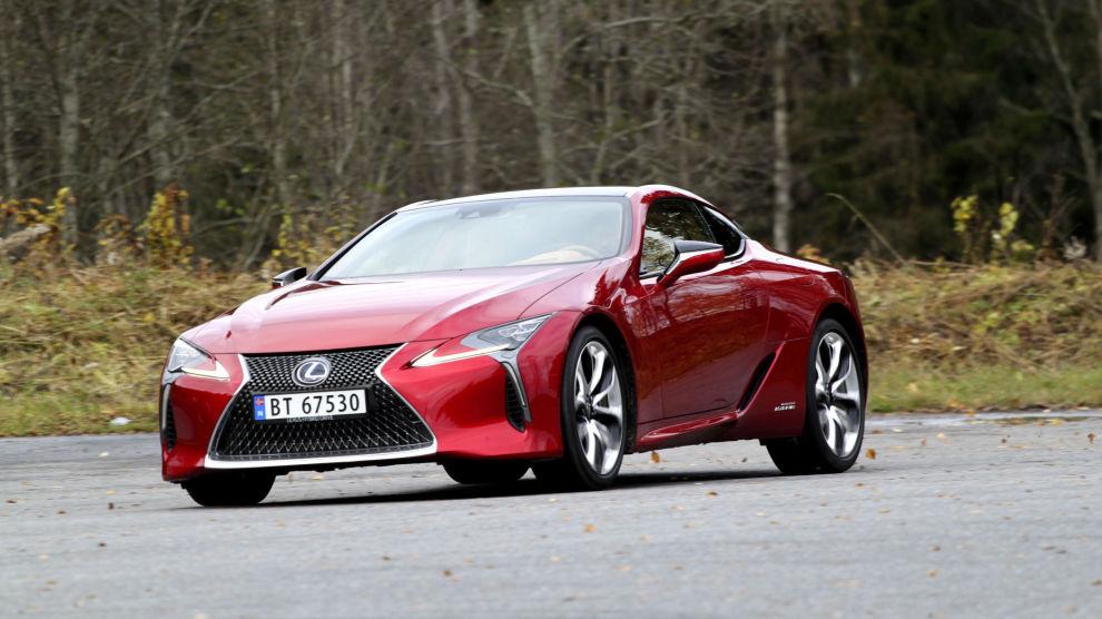 FÅR FEM PÅ TERNINGEN: Lexus LC 500h.