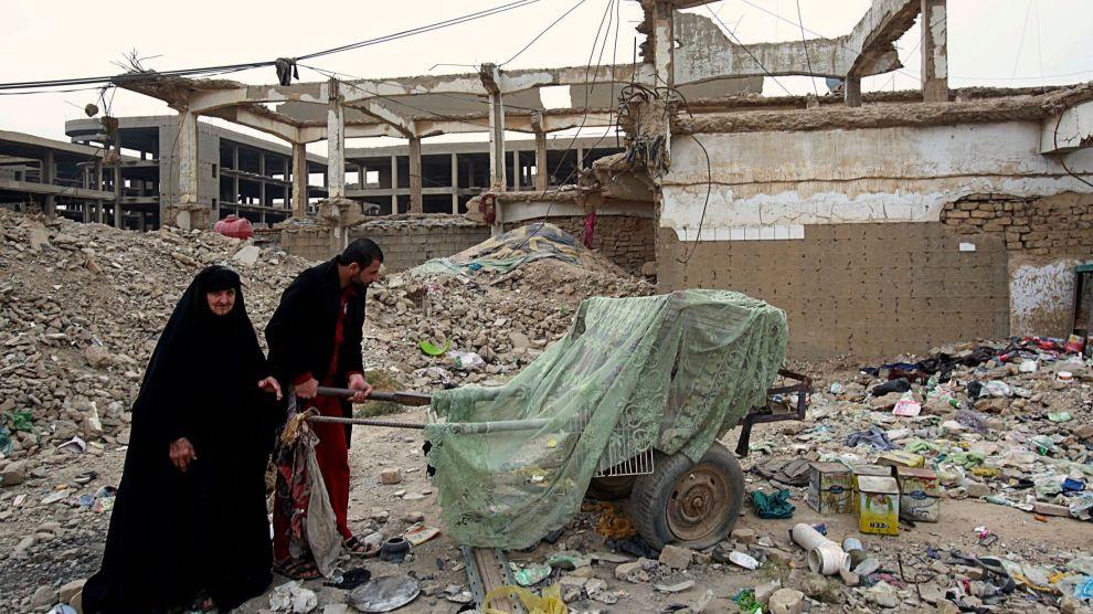 Irak har bedt omverdenen om 700 milliarder kroner i støtte til gjenoppbygging, men verden til å bidra er mindre enn irakiske myndigheter hadde håpet.
