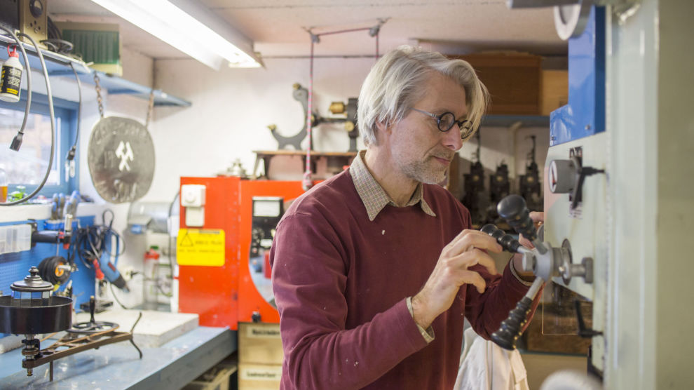 SERIEGRÜNDER: Sjur Dagestad har i et kvart århundre brukt revisor i sine selskap. – Det blir som å skifte bremseklosser på bilen når klossene ikke engang er slitt, mener han.