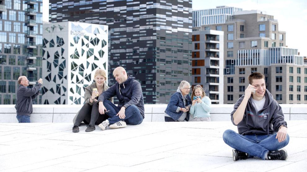 PENGER Å SPARE: Du kan komme billigere unna ved å velge riktig mobilabonnement. Foto: Gorm Kallestad / NTB scanpix