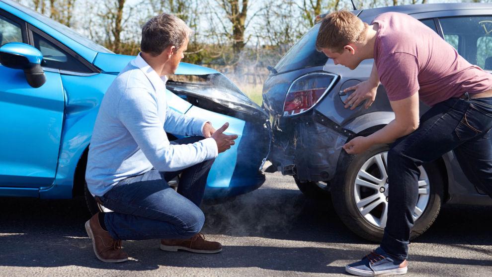 NÅR UHELLET ER UTE: Bilforsikring er lurt å ha, men vær obs på prisforskjellene. Foto: Shutterstock