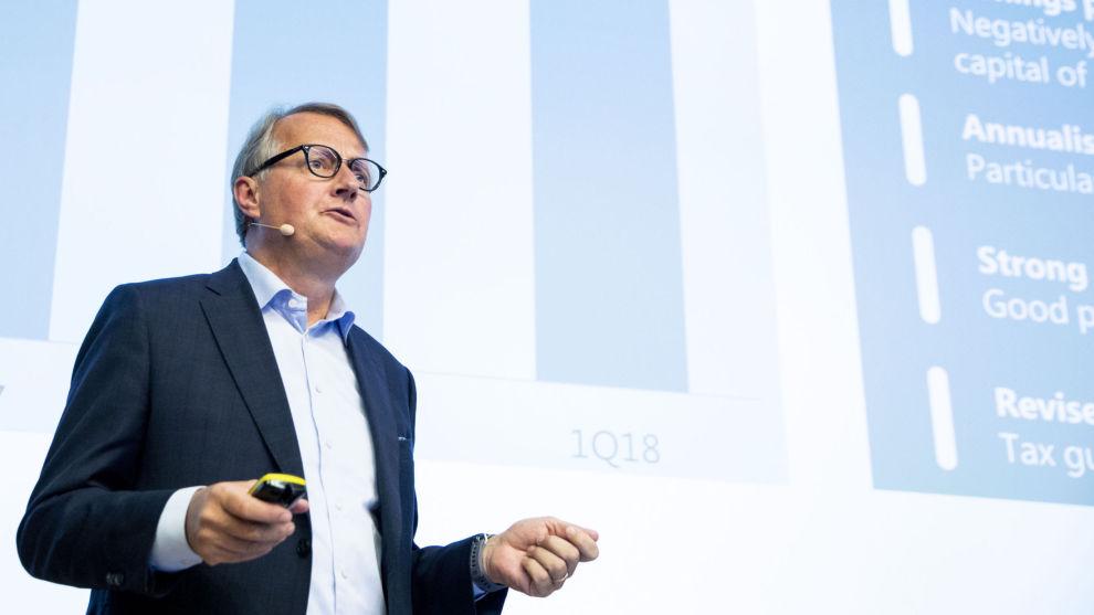 LYSERE TIDER: DNB-sjef Rune kan glede seg over ny optimisme i oljebransjen og lavere tap. DNB tjente 1,1 milliarder kroner mer i årets første kvartal enn i samme periode i fjor.
