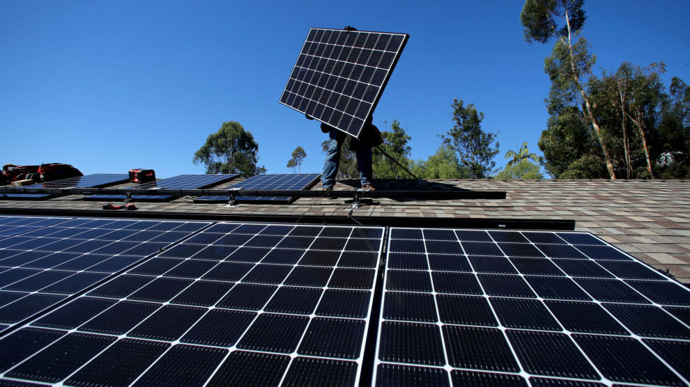 SOLA SKINNER: Fint vær er ikke grunnen til at Delphi Fondene satser på solceller.