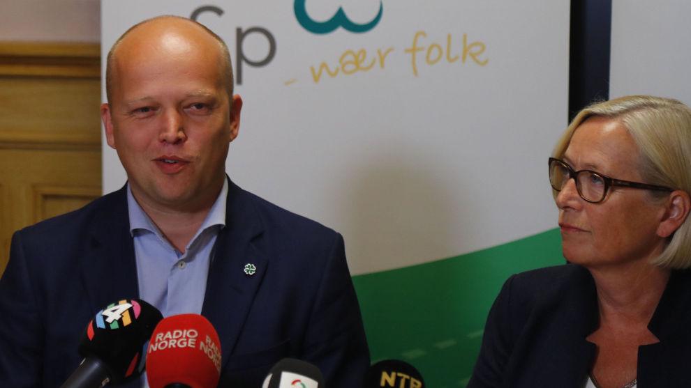 Partileder Trygve Slagsvold Vedum og parlamentarisk leder Marit Arnstad under Sps oppsummerende pressekonferanse.