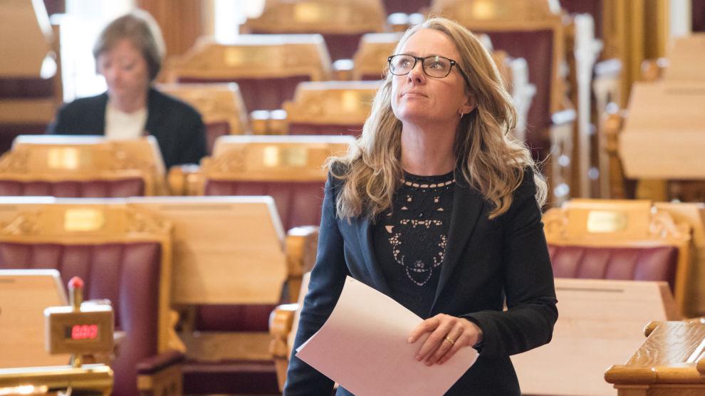 Arbeids- og sosialminister Anniken Hauglie (H) og partene i arbeidslivet skal vurdere om IA-avtalen fortsatt er liv laga i høst. Hauglie har uttalt at det er uaktuelt å videreføre ordningen slik den er i dag.