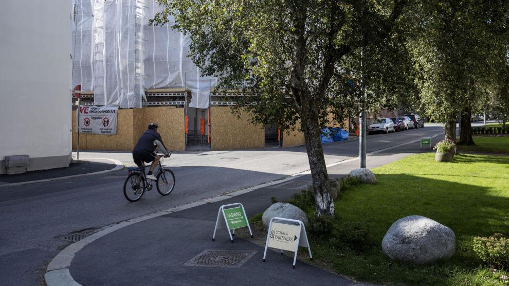 RENTEØKNING: Styringsrenten skal opp. Betyr det at boligmarkedet vil falle i takt med temperaturene denne høsten?. Foto: Fredrik Bjerknes/Dine Penger