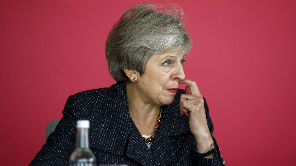Storbritannias statsminister Theresa May innkalte torsdag kveld regjeringens viktigste ministre til et møte for å orientere om brexit. Ifølge FT sa hun at det nærmer seg en avtale.