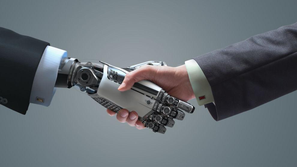 FÅR STØTTE FRA EKSPERT: – Roboter kommer til å stå for 95 prosent av all aksjehandel i fremtiden, mener førsteamanuensis Kjell Jørgensen ved BI.