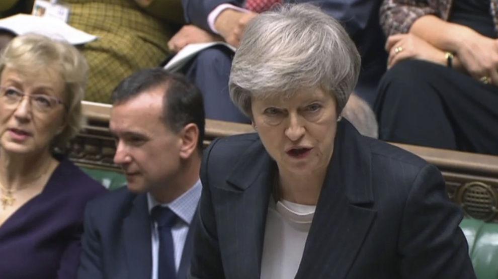 Statsminister Theresa May møtte kraftig motbør i Parlamentet også onsdag.