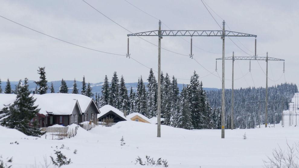 DYR ENERGI: For en gjennomsnittsfamilie kan strømregningen for januar bli 800 kroner dyrere enn samme periode i fjor.