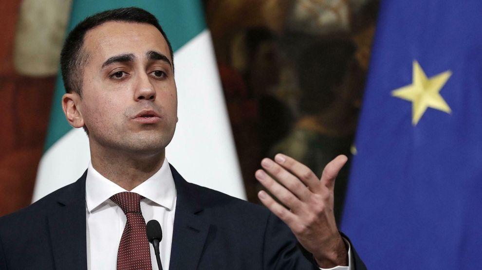 Italias visestatsminister Luigi Di Maio har hisset på seg den franske regjeringen med sitt møte med protestbevegelsen de gule vestene i Paris.