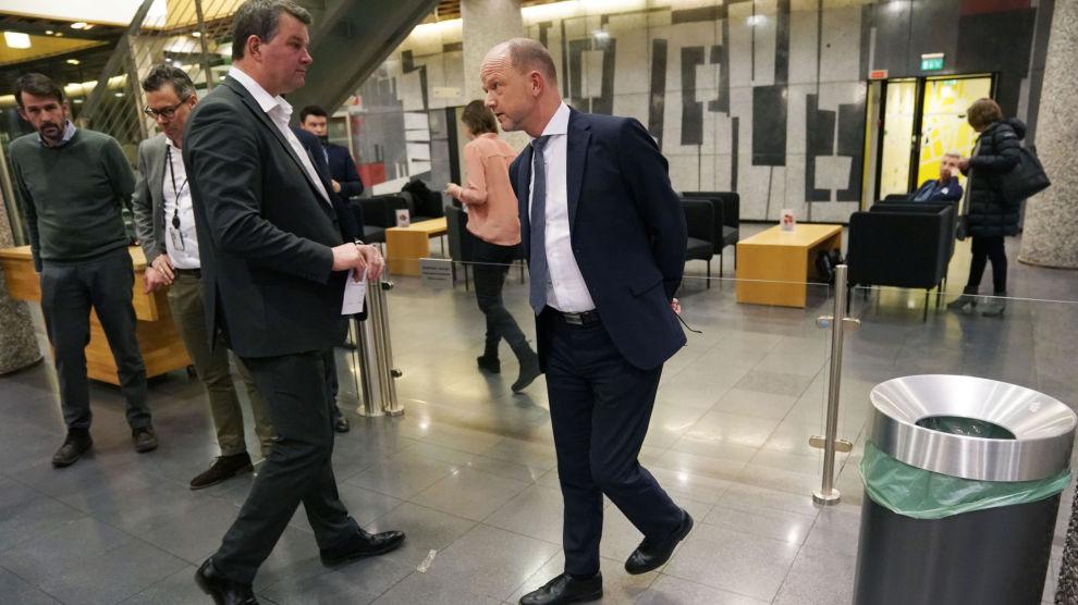 LO-leder Hans-Christian Gabrielsen til venstre og NHO-sjef Ole Erik Almlid etter at det ble brudd i lønnsforhandlingene mellom NHO og LO. Om det ikke blir en løsning under meklingen der fristen er 31. mars kan det bli streik for over 160.000 LO-ansatte etter 1. april.