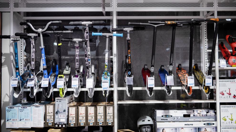 STORT UTVALG: I butikkene er det et mange sparkesykler uten motor å velge mellom. De koster fra noen hundrelapper til noen tusenlapper.