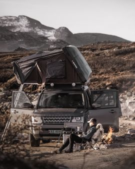 Kasper Høglund har bodd i bil og telt i syv måneder, og deler sine beste tips med Dine Penger-leserne.