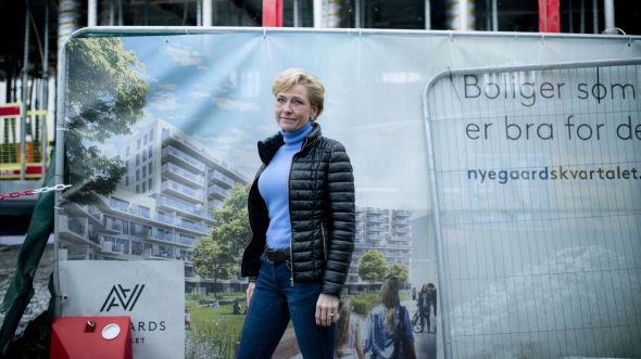BOLIG FØRST: Pensjonsrådgiver Aleksandra Plathe. Hun oppfordrer unge til å spare til bolig og nedbetale boliglån først.
