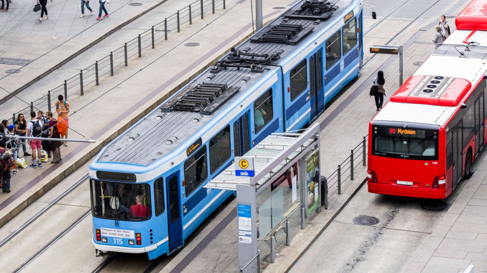 Satsing på trikk og buss er en viktig del av Oslopakke 3, som det fortsatt er stor oppslutning om i hovedstaden. Foto: Jon Olav Nesvold / NTB scanpix