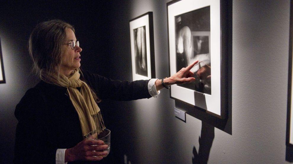POPULÆR: Sally Mann (f. 1970), en av verdens mest kjente fotografer, blant annet for å avbilde barna sine i ung alder. Her under en utstilling på Fotografiska i Stockholm.