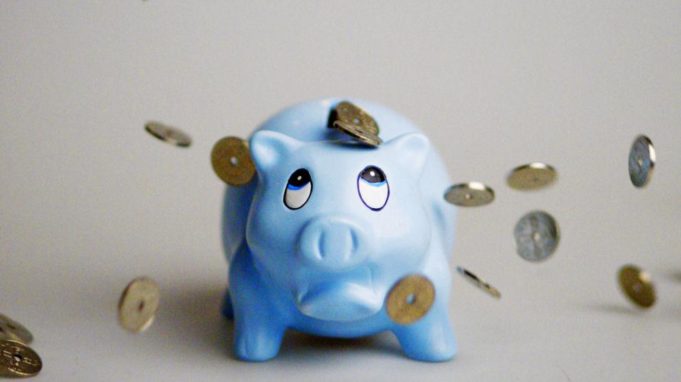 SPARETRIKS: Lur deg selv til å spare mer, med å utsette sparingen litt.