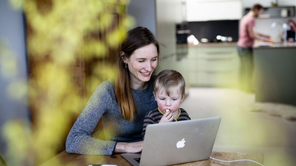 SUPERSPARER: Hver måned setter Lise over 20 000 kroner inn i globale aksjefond. Målet er å kunne leve av avkastningen på sparemålet, som er på 3 750 000 kroner