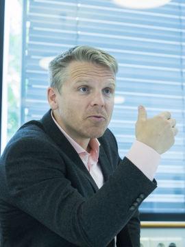BLE OVERRASKET: Anders Skar i Nordnet jobber med hvordan de skal svare Sbanken.