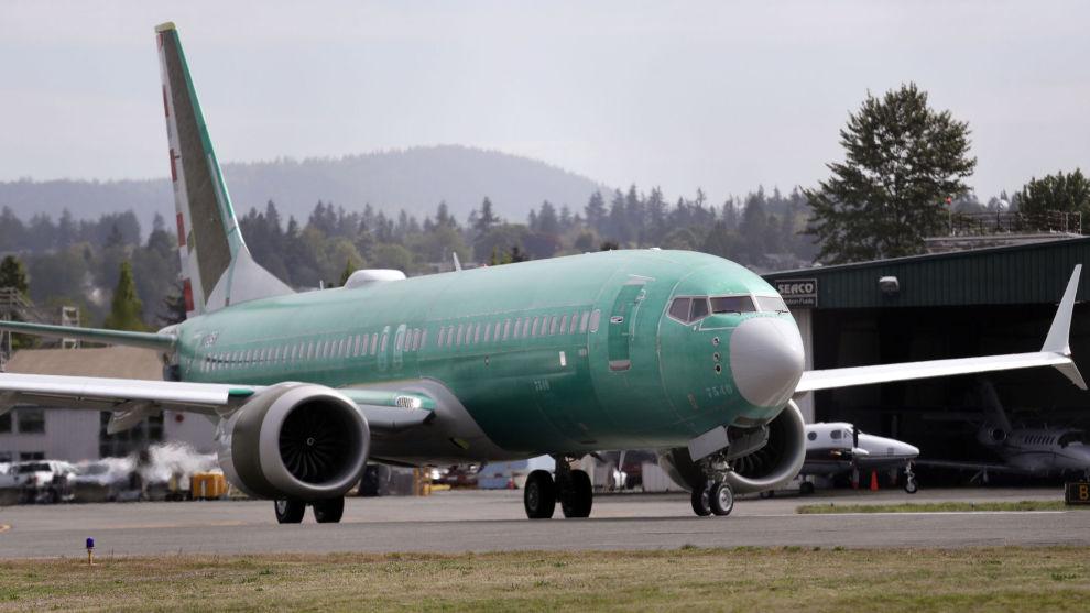 Det er fortsatt usikkert når Den amerikanske luftfartsmyndigheten vil godkjenne Boeing 737 til å fly igjen. Foto: Elaine Thompson / AP / NTB scanpix