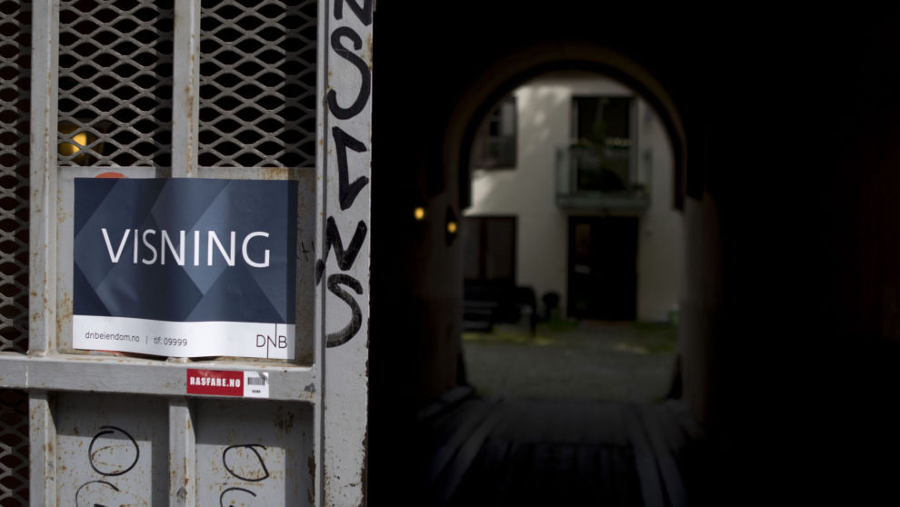 DYRERE: Ettersom Norges Bank hever renten, blir det mer kostbart å låne penger fra banken. Det kan være tusener å spare på å velge riktig boliglån.