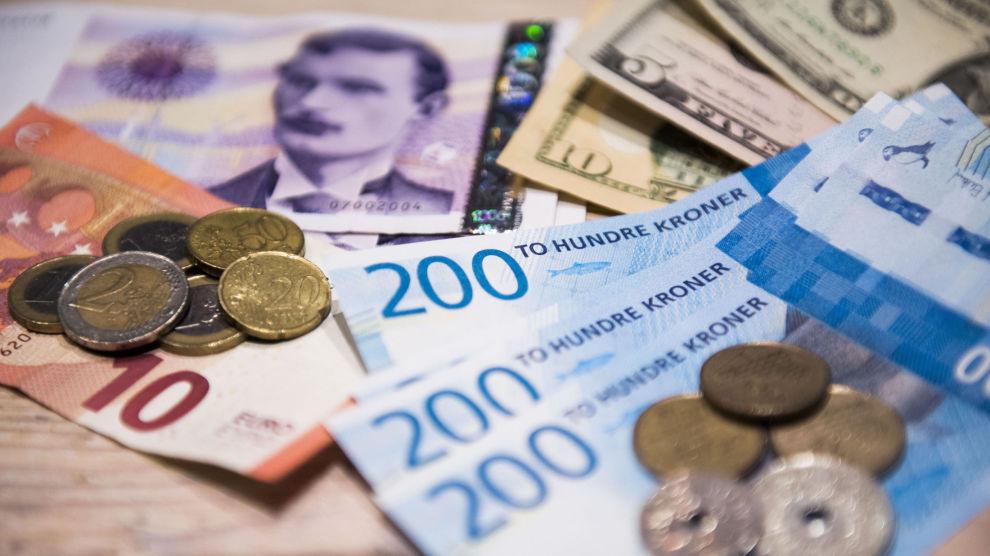 NEDTUR: Ifølge Financial Times er den norske kronen en av årets største flopper. Det har sørget for høyere avkastning for nordmenn som er investert i globale aksjer.
