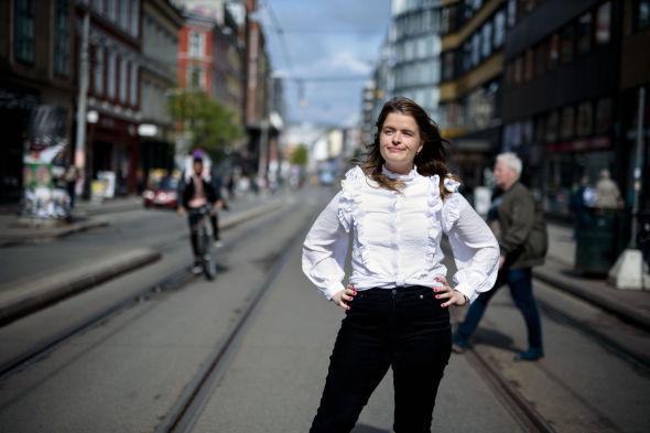 LITE INFORMASJON: Da Aksjekaffe-initiativtager Ida Bergitte Andersen Hundvebakke bestemte seg for å begynne å spare i aksjer, syntes hun det var vanskelig å finne frem til informasjon om hvordan hun skulle gå frem.