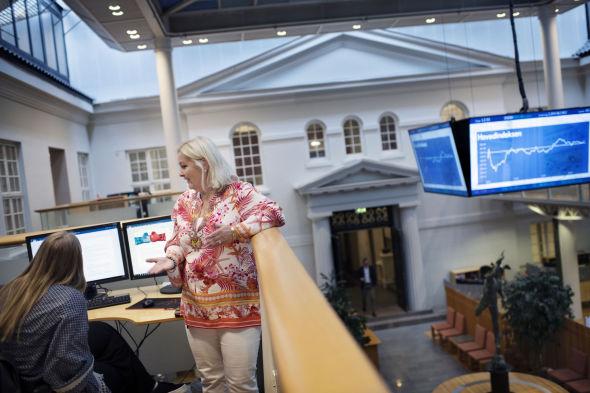 TRADISJONSRIKE LOKALER: Kristin Skaug og AksjeNorge har kontorplasser i selveste Oslo Børs – en bygning som for øvrig fylte 200 år i 2019.