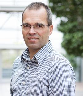 MAKROØKONOM: Ragnar Torvik, professor ved NTNUsInstitutt for samfunnsøkonomi sier det er umulig å spå utviklingen av valutakursen.