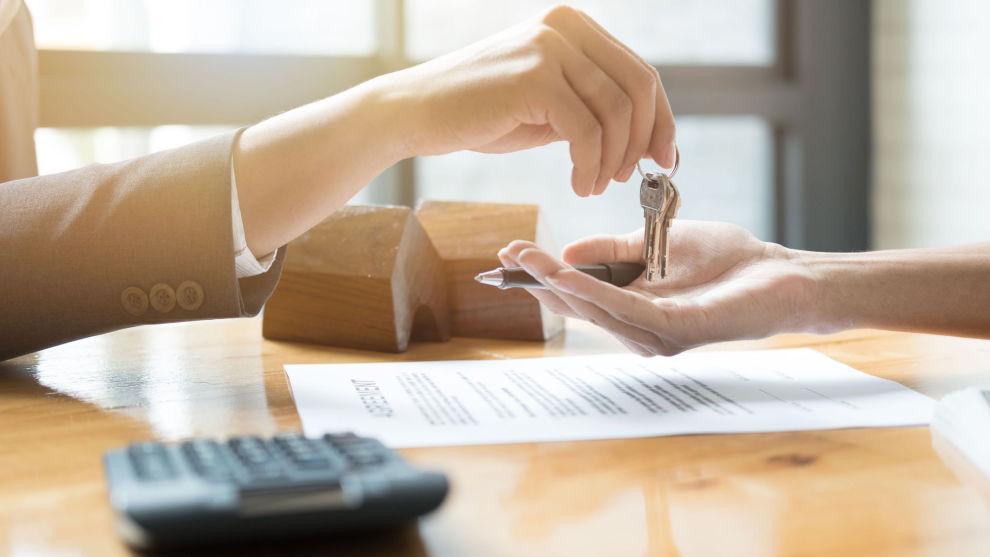 SKATTEFRITT: Skal du slippe å betale skatt etter boligsalg, må du som hovedregel ha bodd i boligen din minst 12 av de siste 24 månedene før salget.