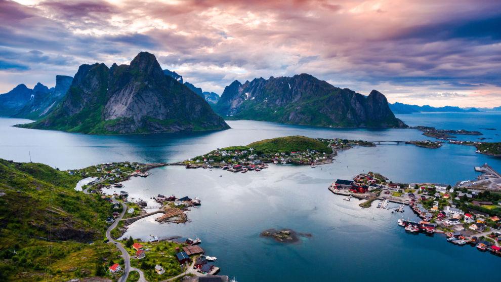 LOFOTEN: Mange nordmenn planlegger ferie til vakre Lofoten i år, når sydenferien ser ut til å gå fløyten.