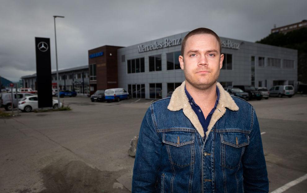 MISFORNØYD LEASINGKUNDE: Simen Trondsen fikk ferien sin ødelagt av en skyhøy påkosttakst fra Mercedes-forhandleren Teknisk Bureau.