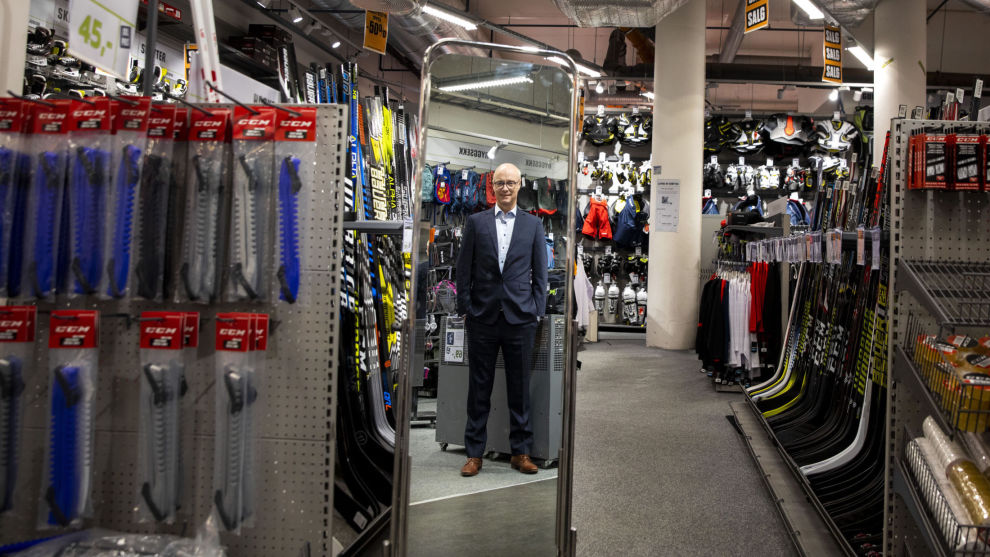 UT MED SPORT OG VILLMARK: Sportsutstyrsprodusenten må vike til fordel for tre nye aksjer. Her med XXL-sjef Pål Wibe.