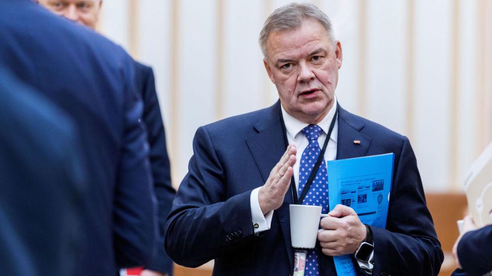 SENSITIV FOR RENTEN: Storebrand-sjef Odd Arild Grefstad får litt hjelp når rentene stiger.