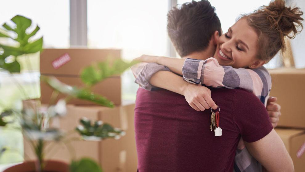 TØFT MARKED: Det har blitt stadig vanskeligere å klare å spare opp nok penger til å kjøpe bolig for førstegangsetablerere, men det har dukket opp nye alternativer som kan gjøre det lettere for noen grupper.