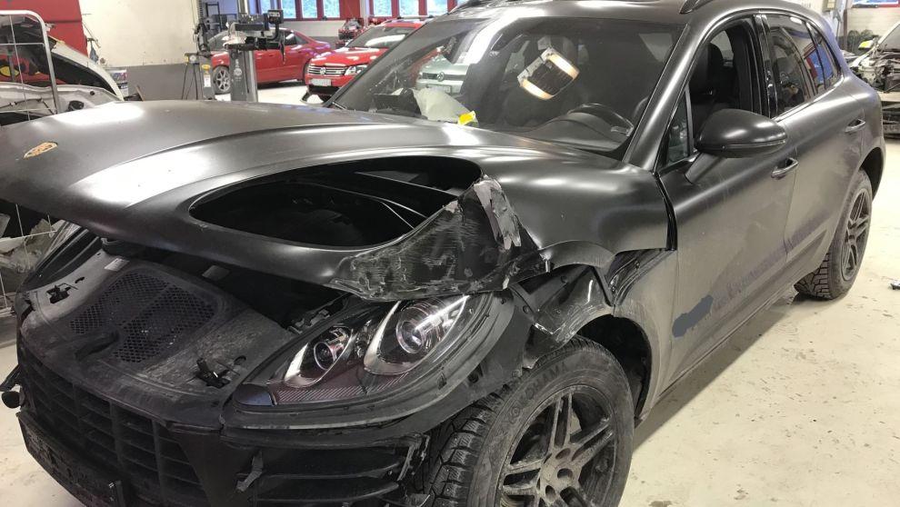 DYRT: Forsikringsselskapet mente føreren av denne Porschen løy om årsaken til ulykken. Dette kostet føreren dyrt.