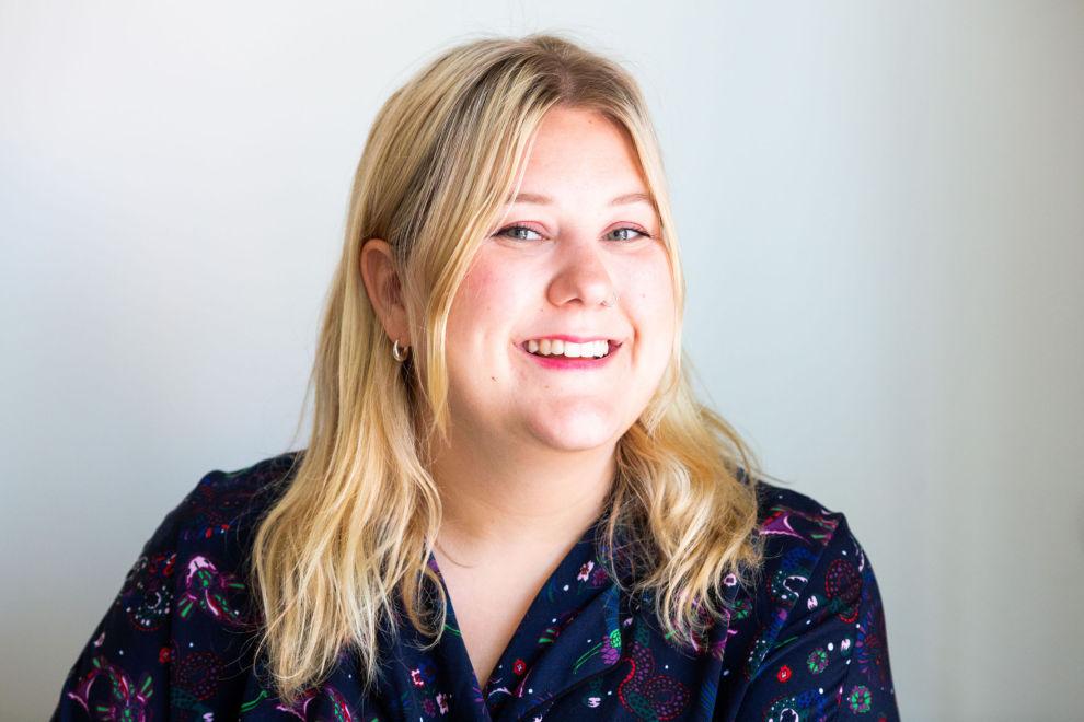 TV-AKTUELL: Komiker Martha Leivestad har laget serie om økonomi for NRK.