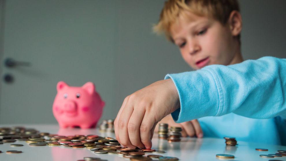 PENGER: Gi barna lommepenger og lær barna om penger gjennom lek, er noen av rådene fra økonomiekspertene.